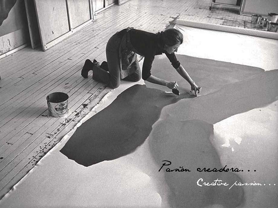 Pasión creadora. Pintando sobre el suelo. Viaje alrededor del mundo.